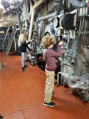 The Kids In The Engine Room Of The USS Yorktown (Joe Shlabotnik) Tags: charleston ussyorktown galaxys9 december2019 2019 aircraftcarrier violet everett patriotspoint cameraphone southcarolina