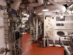 Inside The Engine Room Of The USS Yorktown (Joe Shlabotnik) Tags: charleston ussyorktown galaxys9 december2019 2019 aircraftcarrier patriotspoint cameraphone southcarolina