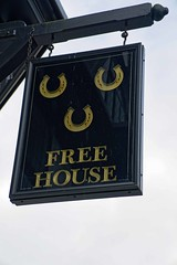 Three Horseshoes, Southall (Dayoff171) Tags: greatbritain england signs europe pubs publichouses gbg boozers ub13da unitedkingdom southall greaterlondon threehorseshoes gbg2000