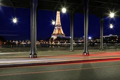 La tour Eiffel étincelante // The sparkling Eiffel tower (erichudson78) Tags: france iledefrance paris pontdebirhakeim toureiffel longexposure poselongue bluehour heurebleue canonef24105mmf4lisusm canoneos6d paysageurbain urbanlandscape architecture dusk crépuscule twilight lighttrails pont bridge pillar pilier colonne column