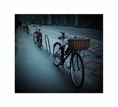 Per le vie di Milano (ornella sartore) Tags: città milano strada biciclette canon