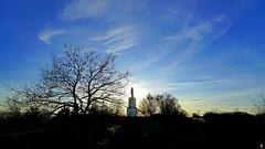 PAYSAGES DE PICARDIE 681 (Alain Père Fouras) Tags: picardie paysage landscape montcésar oise statue marie saintevierge crépuscule soir couchant ciel