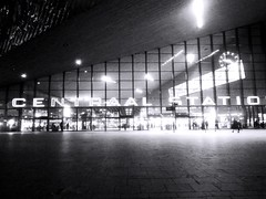 Rotterdam Station #Rotterdam #centraal #station #bnw #bnwphotography #NS #RET #subway (hansenv82) Tags: ret rotterdam subway centraal ns station bnwphotography bnw
