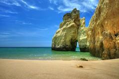 Algarve, Portugal (Janusz W.) Tags: portogallo portugalia portugal algarve pentax water sky niebo plaża beach może