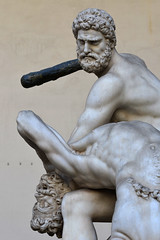 A murderer (Thomas Roland) Tags: unesco world heritage site europe europa italy italia italien sommer summer nikon d7000 travel rejse toscana tuscany by stadt town city firenze florence loggia dei lanzi statue figure classical marble sculpture skulptur uffizi gallery