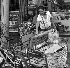 Help yourself (Beegee49) Tags: street woman filipino people shopping cart blackandwhite monochrome sony a6400 bw bacolod city philippines asia