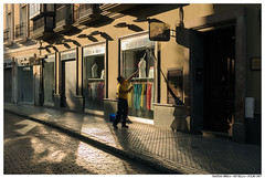 . . (Matías Brëa) Tags: calle street streetphotography social documentalismo documentary color personas people gente