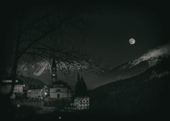 CdC (U1D2X) Tags: night moon luna cibiana di cadore nikon d800 sera notte evening piena full montagne mountains sky cielo darkness oscurità