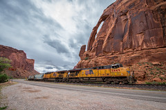 Jug Handle (Carlos Ferran) Tags: up union pacific cane creek branch locomotive ge utah arches national park train trains railroad west is best rocks red arch cloudy ldg51b