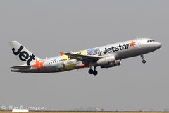 VH-JQX Airbus A320 Jetstar Sydney airport YSSY 04.01-20 (rjonsen) Tags: plane airplane aircraft aviation airliner takeoff departure flying flight special scheme livery