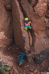 [Real World] (88) Free Climbing and Bike (Ricky.Silva) Tags: lego legophotography photography minifig minifigure comunidade0937 c0937 canon caboverde legominifigure