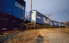 Onto The South Leg (DJ Witty) Tags: conrail emd sd402 dieselelectriclocomotive popescreeksecondary fujichrome amtrak railroad pentaxk1000 photography rr