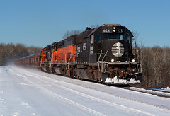 IC 6251- Bitter cold (Khang Lu) Tags: cn ic illinois canadian national maple grove road munger minnesota emd sd403 6251 train railroad locomotive central dmir duluth missabe iron range