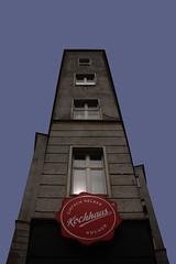 just cook yourself (jotka*26) Tags: berlin germany jotka26 eckhaus justcookyourself easycooking wieöffneicheinedoseravioli upshot angle gründerzeit prenzlberg prenzlauerberg architecture architektur architectura arquitectónica architektuur berlinvonuntennachoben kochhaus