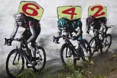 Sprint (Gerard Hermand) Tags: 1905258705 gerardhermand france paris canon eos5dmarkii canaldelourcq streetart mur wall velo bike course race numero number