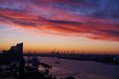 Hamburg (Deutscher Wetterdienst (DWD)) Tags: wetter weather morgen morning morgenrot morningred morgenstimmung morningmood hafen port schöneswetter amazingweather