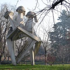 M140 Parco Sempione (mitue) Tags: mailand milano milan giorgioamelioroccamonte chiscoscultura 1973