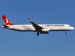 Turkish Airlines | Airbus A321-231 | TC-JTA (MTV Aviation Photography) Tags: turkish airlines airbus a321231 tcjta turkishairlines airbusa321231 londongatwick gatwick lgw egkk canon canon7d canon7dmkii