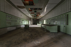 Salle de commande... Sale! (www.jeanpierrerieu.fr) Tags: wwwjeanpierrerieufr nikon decay d610 abandonné abandoned exploration urban urbex urbaine forgotten friche forbidden italie italia usine