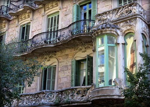 An oriel in an oriel:  Barcelona