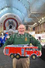 George Illingworth with Meccano Model 2 (MichaelPreston_Creative19) Tags: 3d adults background builds built childhoods constructions constructs creative designs details engineering engineers enthusiasts exhibitions fun hobbies hobby homemade image kits leisure little machines made males man mechanical mechanisms men metal miniatures modelengineeringexhibition modelling models motors objects people persons photo photograph pic picture plastics projects replicas scale scalemodels small structures technology toys vehicles london