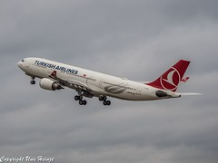 Turkish Airlines TC-JNA (TO) 03 OMD (U. Heinze) Tags: aircraft airlines airways airplane planespotting plane flugzeug haj hannoverlangenhagenairporthaj eddv olympus omd em1markii 12100mm