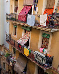 Barcelona tenement (Allan Rostron) Tags: barcelona streets