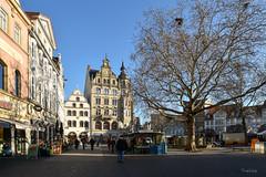 Kohlmarkt... (r.wacknitz) Tags: kohlmarkt braunschweig lowersaxony altstadt oldtown architektur architecture architettura arquitectura wintermood nikond5600 tamron1024 lightroom vividstriking