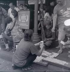 (supachoke choeimalai) Tags: ilford hp5 plus bangkok thailand rolleicord 120 film street