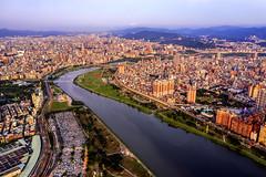Taipei City (Jennifer 真泥佛 * Taiwan) Tags: taipei taipeicity taiwan taiwan101building 空拍 dji d2p aerialview 萬華區 華中里 華中河濱公園