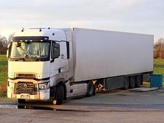 Renault T-range high from unknown Czech Republic. (capelleaandenijssel) Tags: 5am4321 cz cooler reefer truck trailer lorry camion lkw