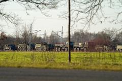 Militärzug US Army 17.12020 Berlin Schönefeld (rieblinga) Tags: berlin schönefeld militärzug us army lkw spähwagen 1712020 eisenbahn