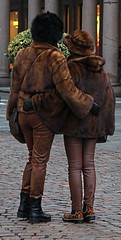 brown ladies (archgionni) Tags: strada street piazza square gente people colori colours signore ladies marrone brown classe class eleganza elegance