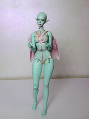 Another Angel... (Silli'on) Tags: bjd bjddoll raccoondoll raccoondollcamilla elf alien mint wigs doll artdoll