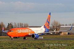 B737-8KN A6-FDX (N836SY) SUN COUNTRY (shanairpic) Tags: jetairliner passengerjet b737 boeing737 shannon iac suncountry flydubai a6fdx n836sy