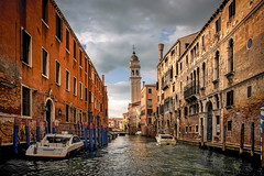late afternoon (kurtwolf303) Tags: himmel italia italien italy kanal nikon nikond5500 stadt taxi venedig venezia venice wasser wolken canale city cityscape kurtwolf303 urban water sky clouds