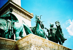 Statue cavalry (Stephen Dowling) Tags: 35mm film xpro kodakebx100 hungary budapest travel lomography lomolca