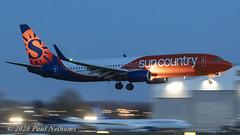 A6FDX 737 Sun Country (Anhedral) Tags: a6fdx boeing 737 737800 scx suncountryairlines fdb9030 landing night einn snn shannonairport