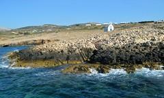 Navigando lungo la costa occidentale dell'isola di Paros (Valerio_D) Tags: paros πάροσ cicladi isolecicladi κυκλάδεσ cyclades grecia ελλάδα greece 2019estate 1001nightsthenew 1001nightsthenewmagiccity