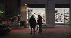 Angel at the window (velenux) Tags: pesaro notte night angelo angel street streetphotography bicicletta bicycle bike