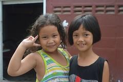 cute girls (the foreign photographer - ฝรั่งถ่) Tags: two cute girls children khlong lard phrao portraits bangkhen bangkok thailand nikon d3200