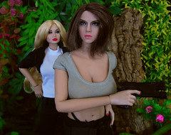 It's not my fault! (Blondeactionman) Tags: bamhq bamcomix one six scale dinosaur valley diorama action figure doll phicen poppy parker agent of bam savannah addams