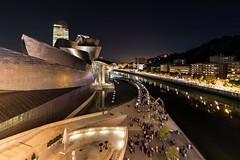 Guggenheim Bilbao. Noche Blanca 2019 (Txaro Franco) Tags: museo guggenheim bilbao bizkaia nocturna nocheblanca nocheblanca2019 ría nervión nerbioi ibaia vizcaya euskadi basquecountry