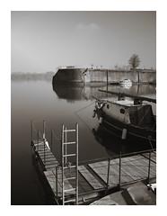 Mantova by Canon A590 (rossomoto) Tags: canona590 a590 mantova blackandwhite monochrome blackwhite darktable30 darktable3 darktable river port boat