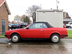 1989 MASERATI Biturbo Spider Zagato (ClassicsOnTheStreet) Tags: spider 1989 maserati zagato biturbo marcellogandini maseratibiturbo biturbospider txjl76 tipoam333 pierangeloandreani classic automobile convertible voiture 80s bil oldtimer 1980s cabrio v6 cabriolet classico pkw klassieker 6cylinder automobiel 6cilinder red rot vintage rouge streetphoto spotted veteran rood streetview straatbeeld strassenszene redcar 2019 badhoevedorp gespot straatfoto sloterweg classicsonthestreet rosso sportscar roja