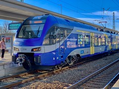 Meridian regional express train at the station in Rosenheim, Bavaria, Germany (UweBKK (α 77 on )) Tags: bayern bavaria germany deutschland europe europa iphone meridian regional express train blue rail railway station rosenheim track platform public transport