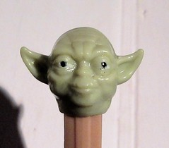 2020 PEZ Head Yoda Portrait Star Wars 4484 (Brechtbug) Tags: 2020 head yoda portrait star wars action figure toy toys space opera film movie science fiction scifi droid android protocol robot metal man goblin the force wizard adventure galactic character prototype design ralph mcquarrie pez