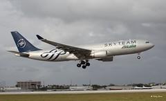 Airbus A330-200 (EI-DIR) (Mountvic Holsteins) Tags: miami international airport mia airbus a330200 eidir