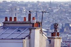 117 Paris Janvier 2020 - les toits de Paris depuis la Butte Montmartre (paspog) Tags: paris france montmartre butte buttemontmartre janvier januar january 2020 toits roofs dächer