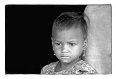 Odisha : little girl (foto_morgana) Tags: adivasi analogphotography analogefotografie photographieanalogue asia asie azië asiangirl blackwhitephotography canoneos1 child childhood enfant enfance face aangezicht visage fille filmnoir head headshot india kodakt400cn lookingaway monochrome nikoncoolscan odisha on1photoraw2020 portrait topazdenoiseai travelexperience vuescan young youth zwartwitfotografie